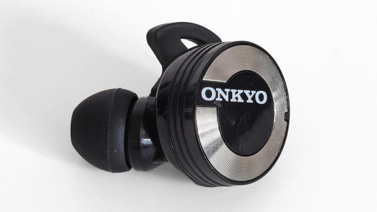 Обзор Onkyo W800BTB - беспроводные наушники с мощными басами