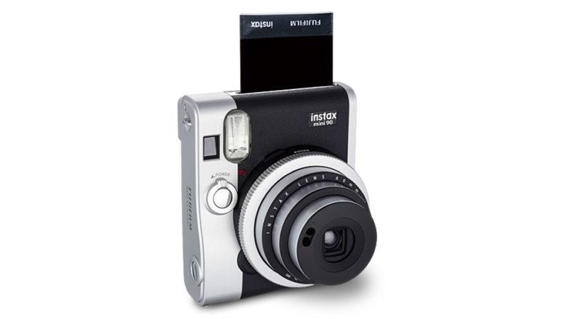 Топ популярных моделей фотоаппаратов с мгновенной печатью